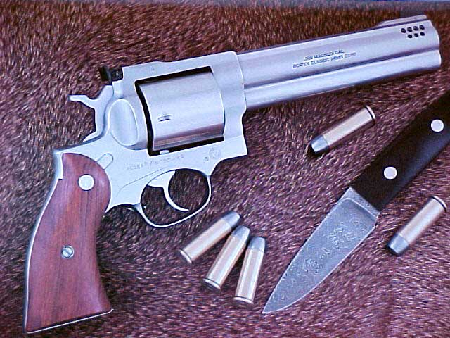 Book Review: The Custom Revolver by Hamilton Bowen