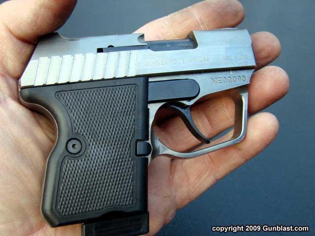 pistol desert eagle front