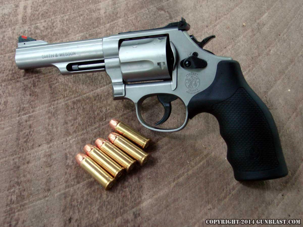 Smith & Wesson Model 69 Combat Magnum Five-Shot 44 Magnum Revolver