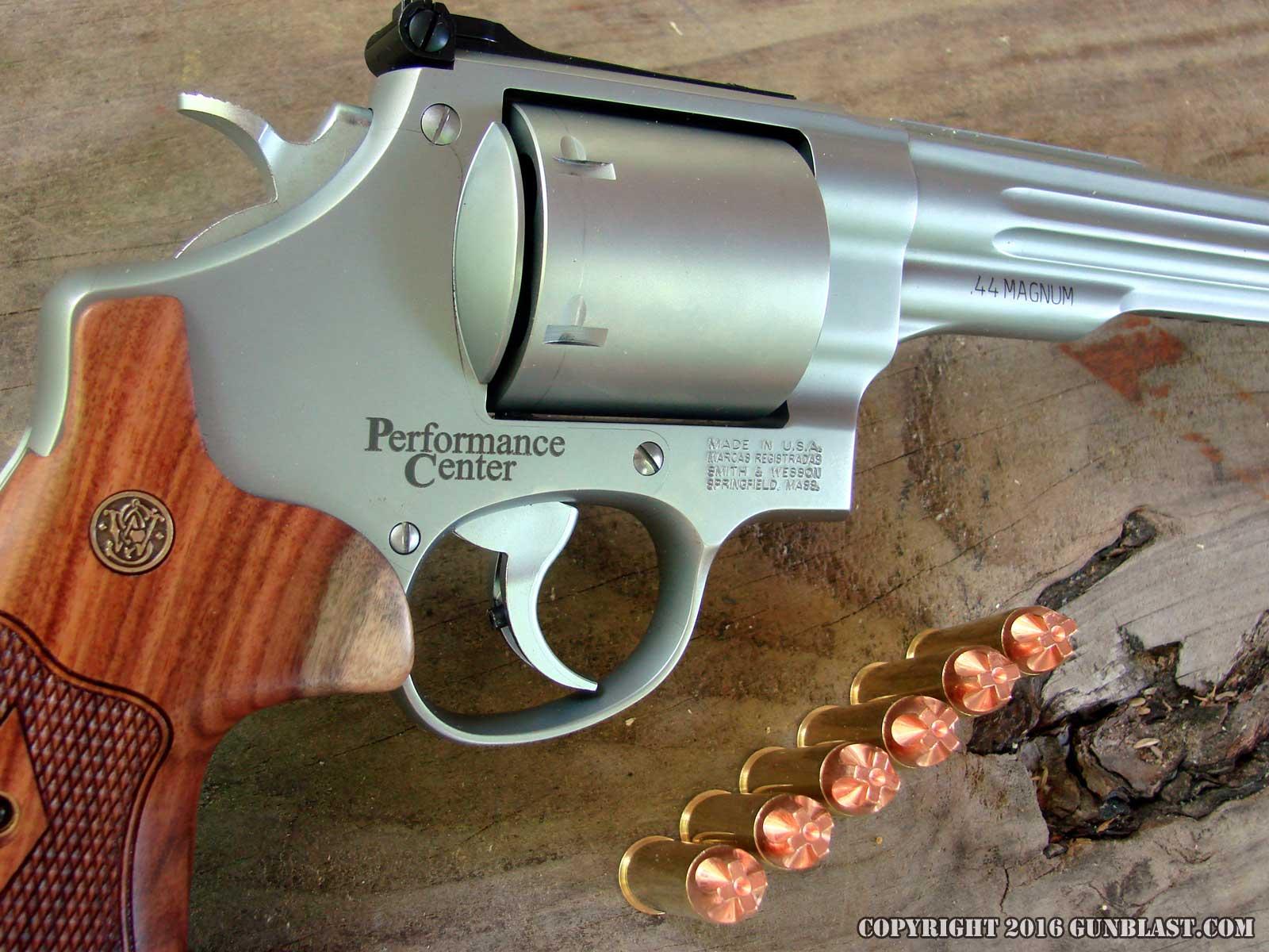 Smith & Wesson Performance Center 629 Hunter 44 Magnum Revolver
